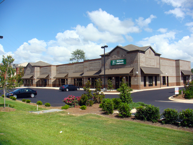 Auburn Retail Center