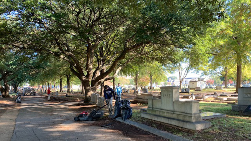 Tuscaloosa's Historic Evergreen Cemetery Receives TLC