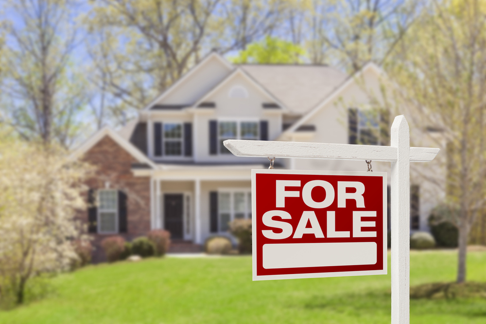 Should I Sell My House Now? The Essential Guide to Selling in the Age of Coronavirus